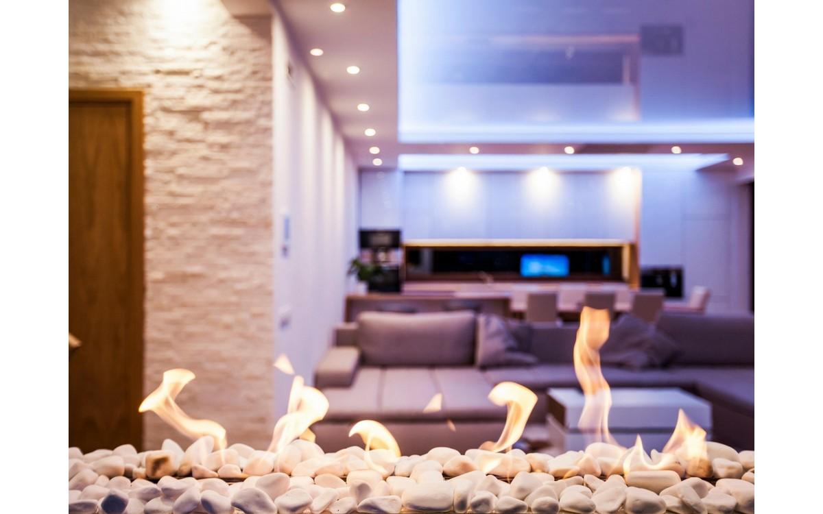 Kaasaegse energiasäästliku luksuseramu LED-valgustus